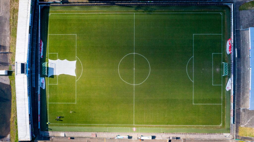 Grasmat voetbalclub FC Dordrecht - foto Cees van der Wal