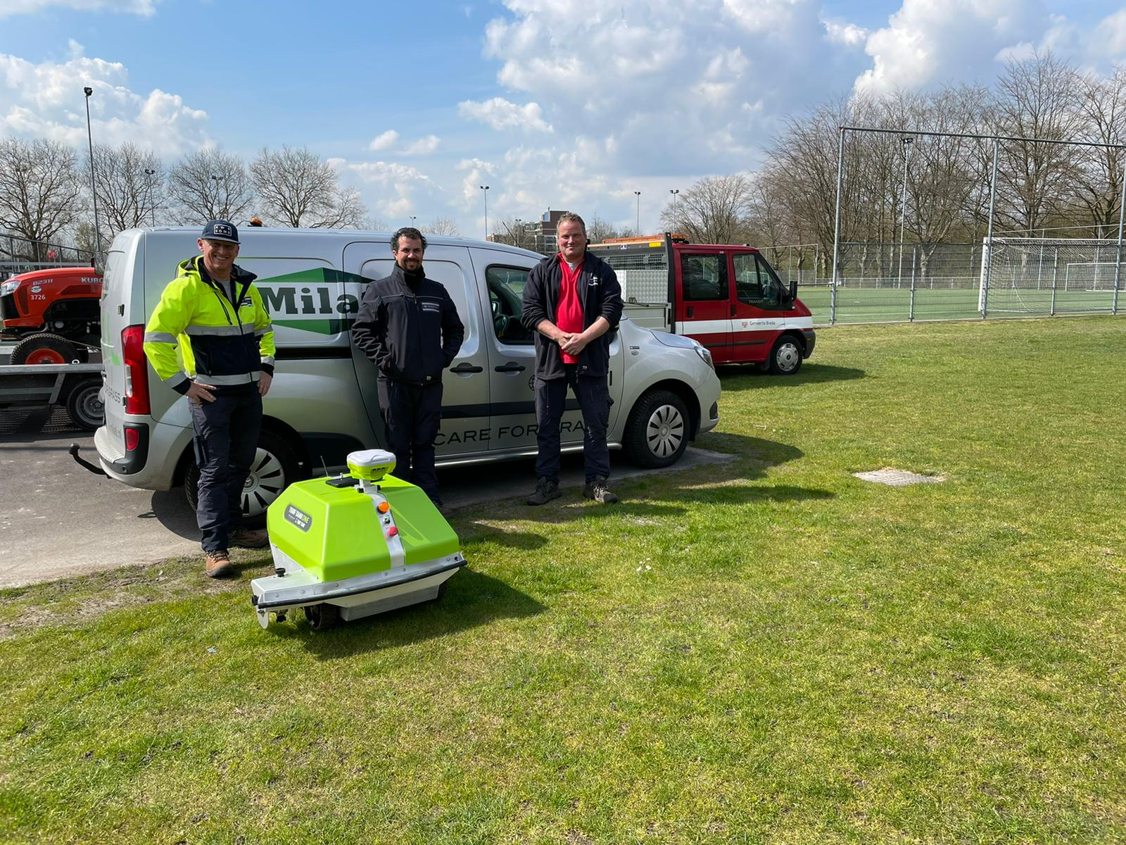 Milati Turf Tank One FC Breda gras belijningsrobot