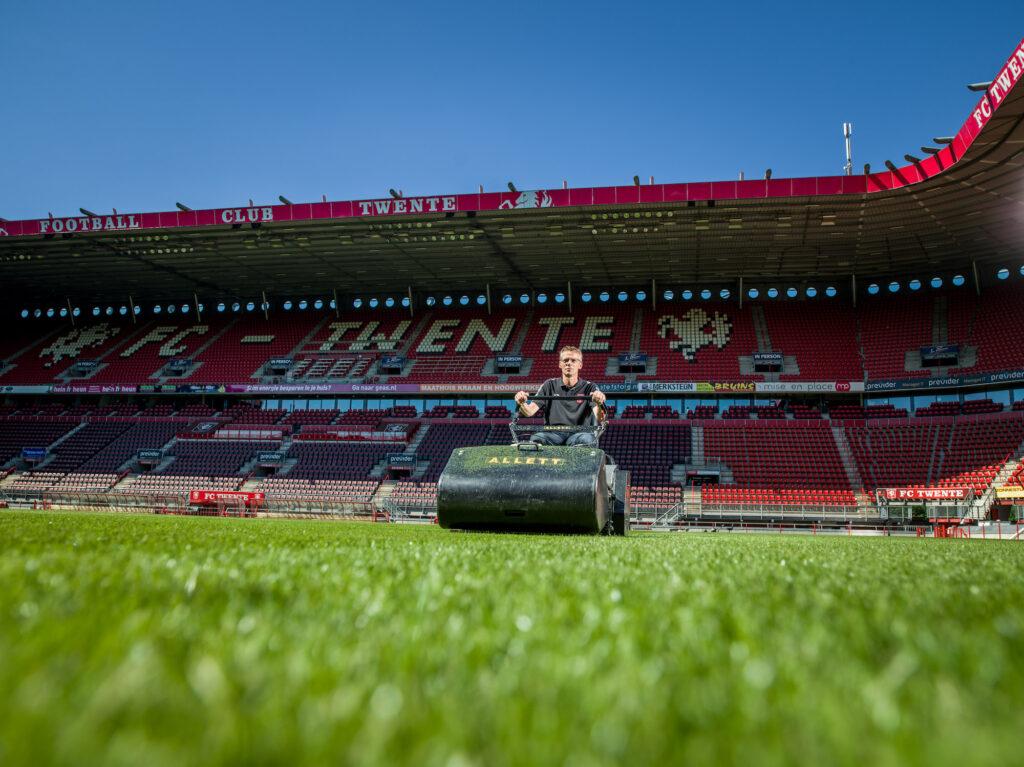 Milati FC Twente Allett C34 Henry de Weert Groundsman van FC Twente